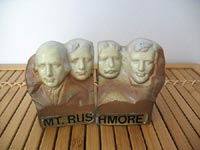 Mount Rushmore salt and pepper