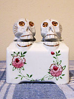 Skeleton Bobbing Head Salt and Pepper Shakers